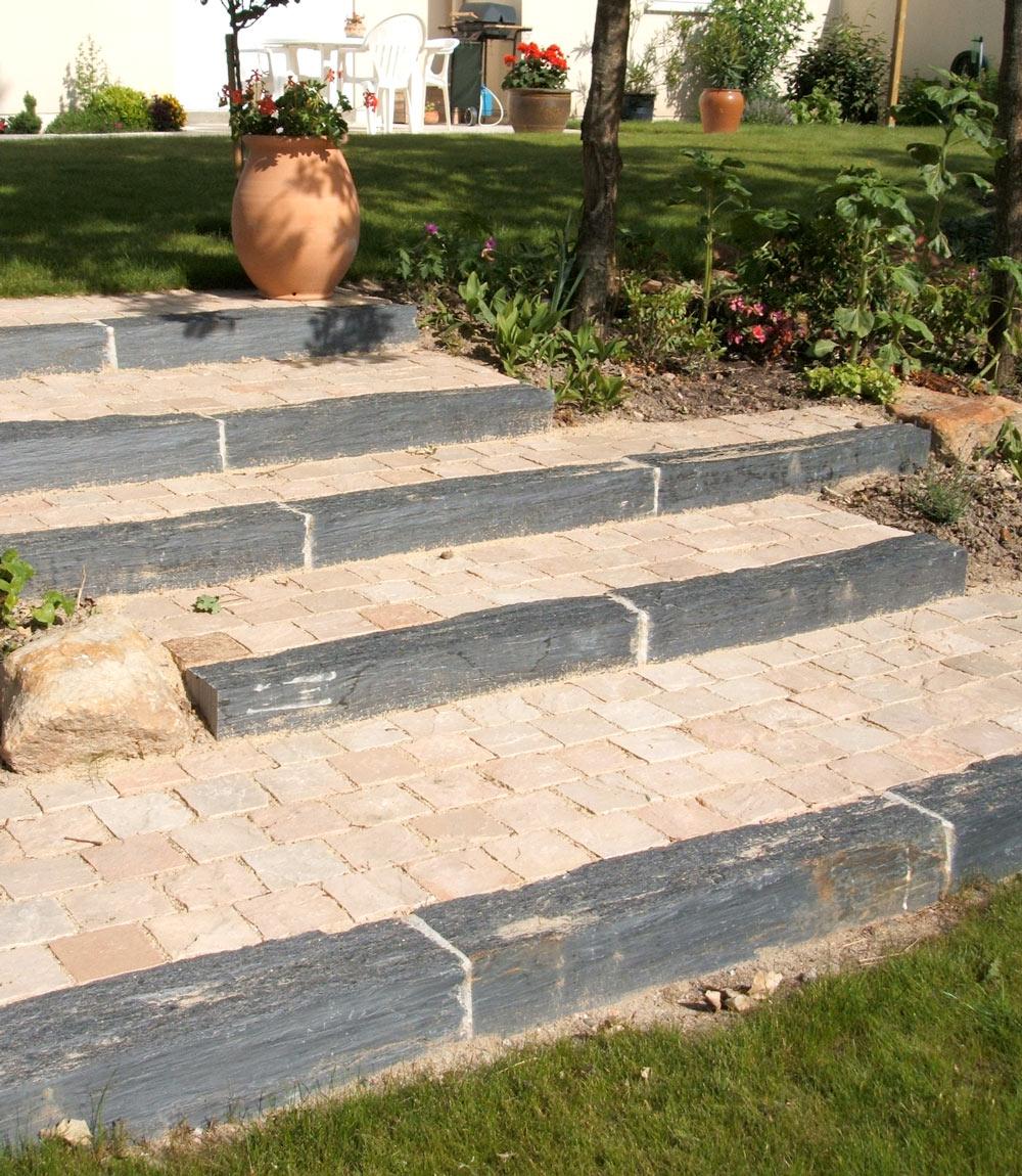construire un escalier dans votre jardin pascal chalain. Black Bedroom Furniture Sets. Home Design Ideas